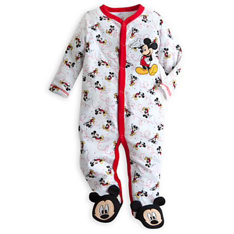 You'll find adorable sleepsuits,bright tees and everyday pieces from the baby boys' clothing collection, plus cute nursery accessories, colour popping styles and mix and match outfits. Complete their story of My First Wardrobe with hints of soft blues, crisp whites, character inspired bodysuits.