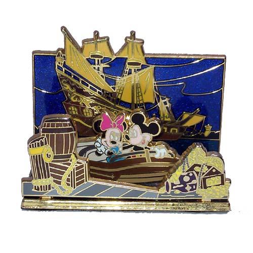 Disney Doppelgangers Pirates Edition: Disney Diorama Pin