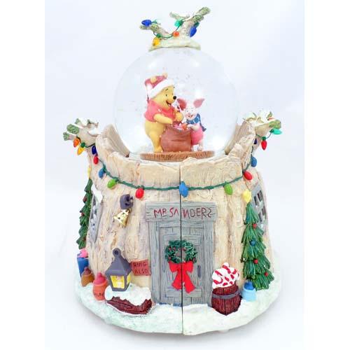 Disney Christmas Snow Globes.Disney Snow Globe Santa Winnie The Pooh And Friends Treehouse
