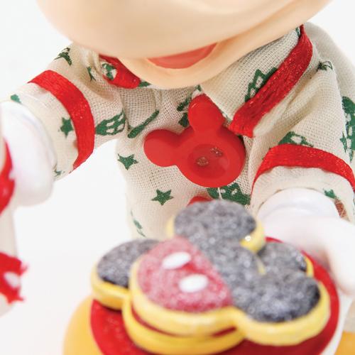 Disney Department 56 Figurine Mickey S Milk And Cookies For Santa