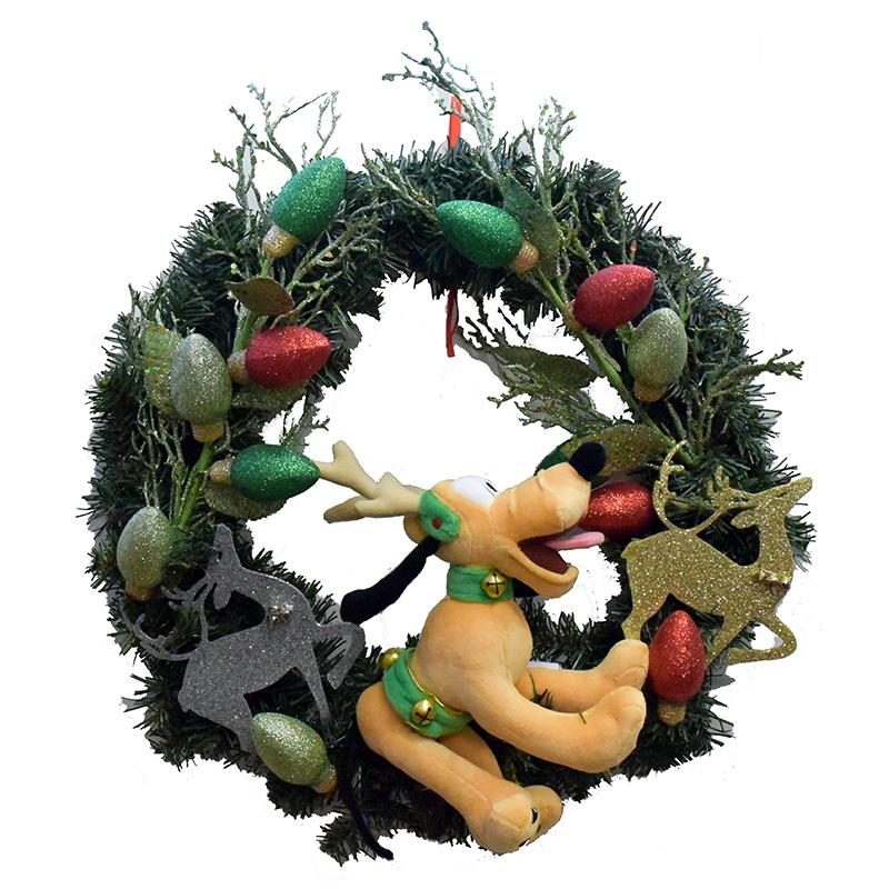 disney holiday wreath pluto christmas