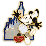 Disney Visa Pin - 2019 Cardmember Pin - Mickey Mouse Steamboat Willie