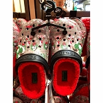 Disney Fleece Lined Crocs - Mickey & Minnie Holiday - Yuletide Farmhouse