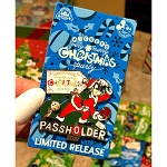 Disney Pin - Mickey's Very Merry Christmas Party - Santa Goofy PASSHOLDER
