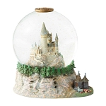 Universal Snow Globe - Wizarding World of Harry Potter - Hogwarts Castle with Hagrid's Hut