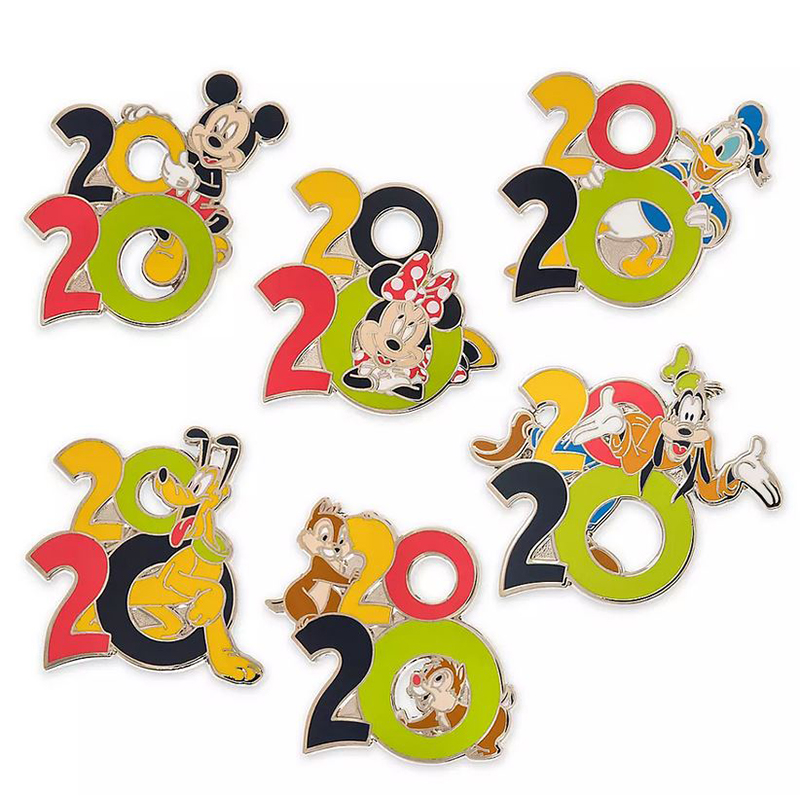 Disney 7 Pin Booster Set - Mickey & Friends - Walt Disney World 2020 Logo