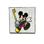 Disney Pin - Mickey Mouse w/ Key - Kingdom of Hearts