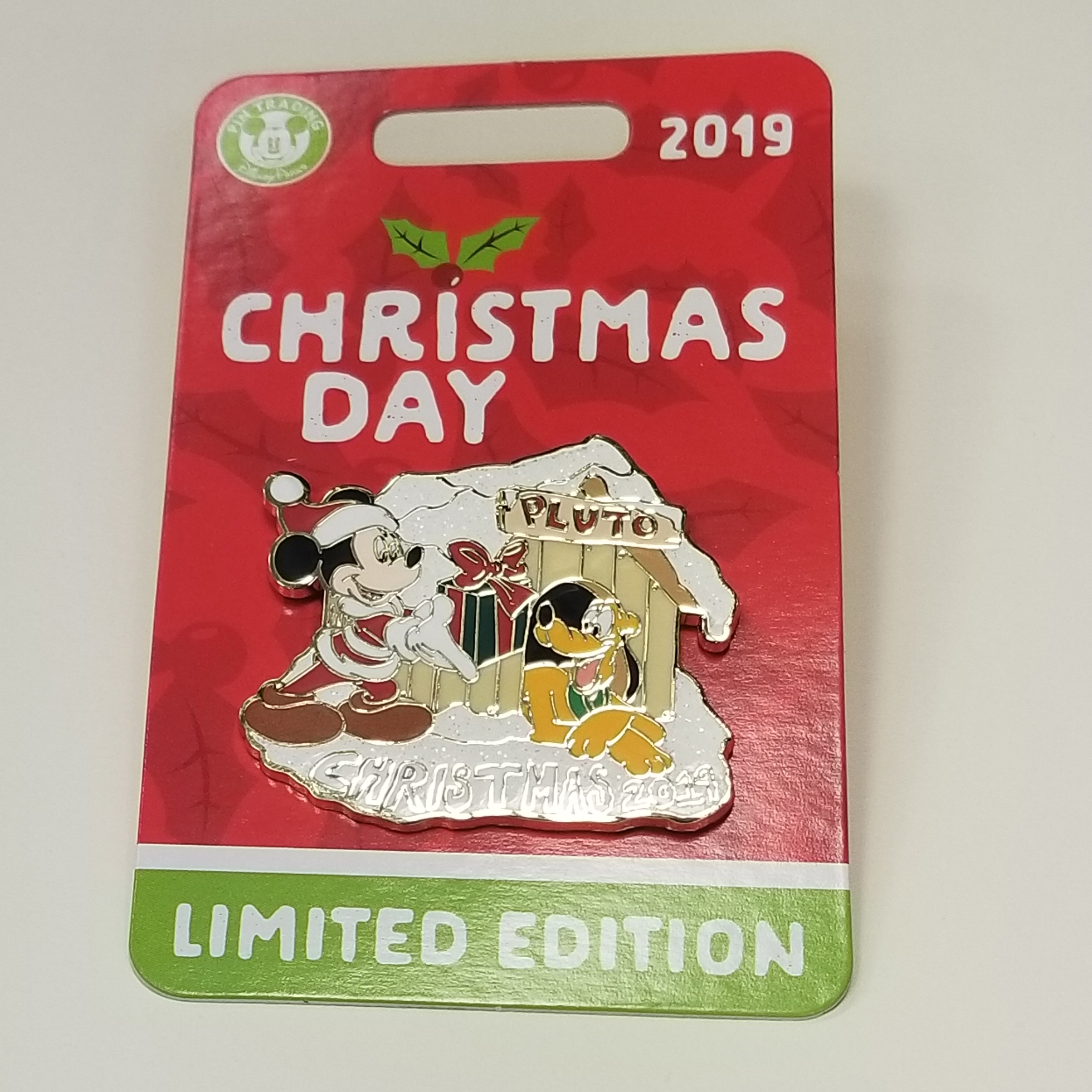 Disney Christmas Pin - Merry Christmas 2019 - Mickey and Pluto