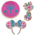 Disney Pin Set - Minnie Mouse The Main Attraction - it's a small world - Limited Release