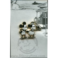 Disney Mystery Pin & Card - Mickey Through the Years - 1928 Minnie