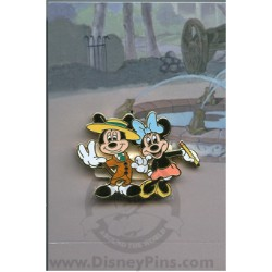 Disney Mystery Pin & Card - Mickey Through the Years - 1941 Minnie