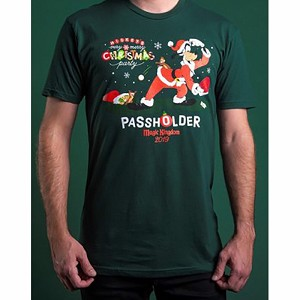 Disney Adult Shirt - Santa Goofy - Mickey's Very Merry Christmas Party PASSHOLDER