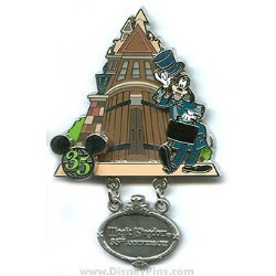 Disney Goofy Pin - 35 Magical Years - Magic Kingdom Park