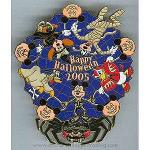 Disney Jumbo Pin - Halloween - Mickey Mouse and Gang Spinner