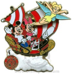 Disney Artist Choice Pin - Mickey & Minnie Aboard Peter Pan's Flight