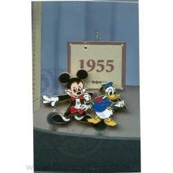 Disney Mystery Pin & Card - Mickey Through the Years - 1955 Donald