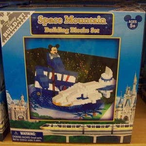 Disney Figurine Set - Build-It - Space Mountain